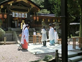 枚岡神社(河内一之宮)奉納朗詠写真1