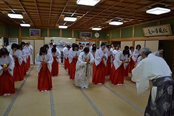 あけの舞研修会と春の集い写真3