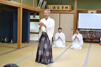 枚岡神社にて あけの舞夏期研修会2