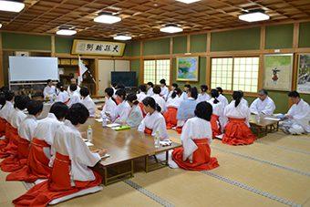 枚岡神社にて あけの舞夏期研修会4